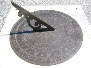de05e354e55 Relógio de Sol  o que é e como funciona - Toda Matéria